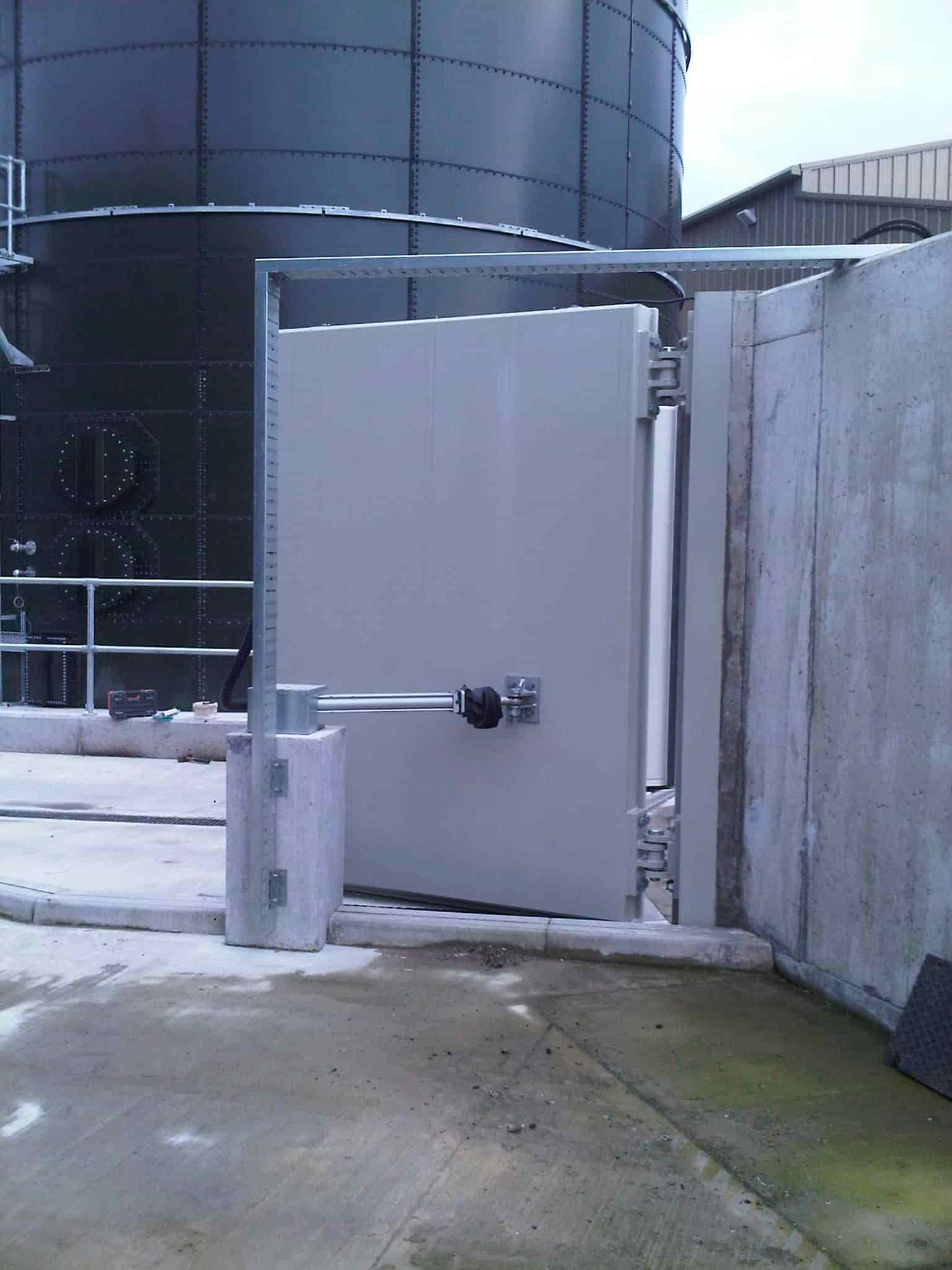 commercial flood gates